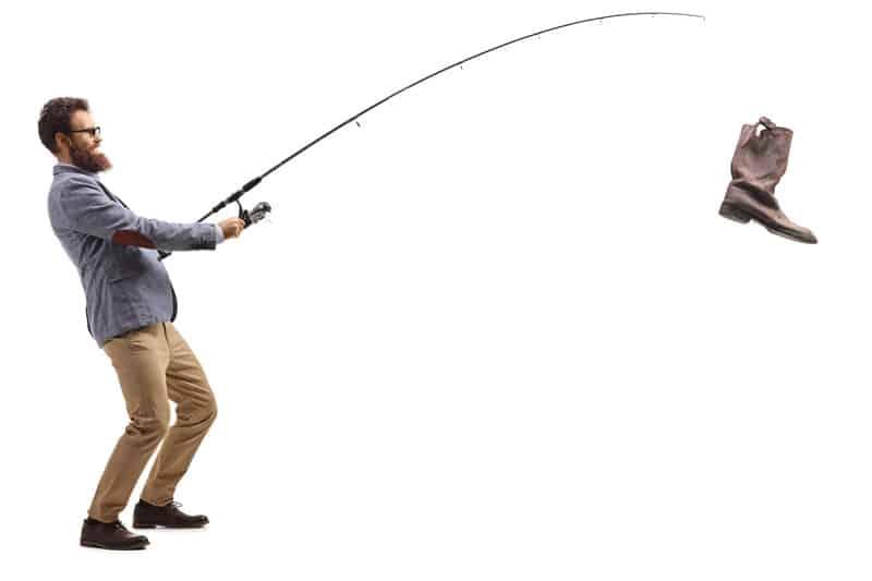 Fisker fanger sko