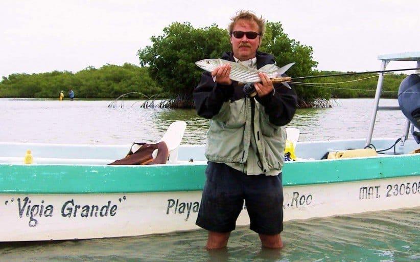 Mellem hajer og bonefish i den mexicanske mangrove