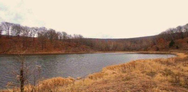 En lille dam nær Bunch, Oklahoma. Denne her er til salg